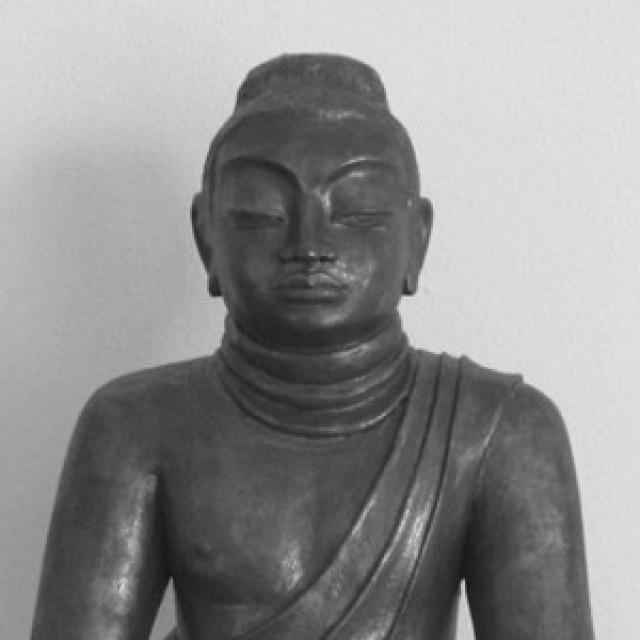 Buddha sitzend aus Keramik