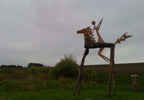 Holz Skulptur von Jochen Strobel Der Apokalyptische Reiter
