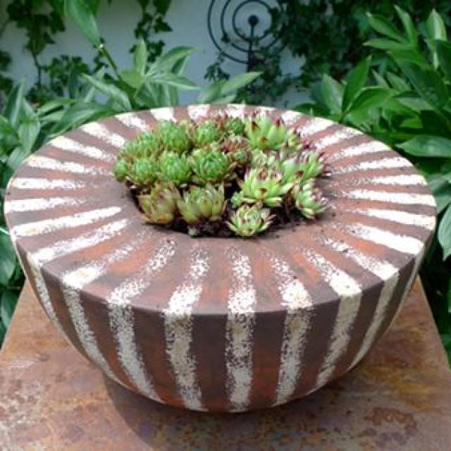 Pflanzschale – neue Gartenkeramik