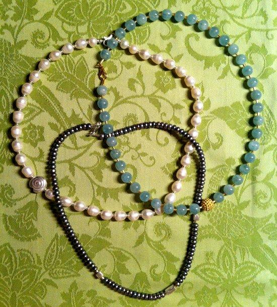 Perlenketten von Margit Hohenberger 2011