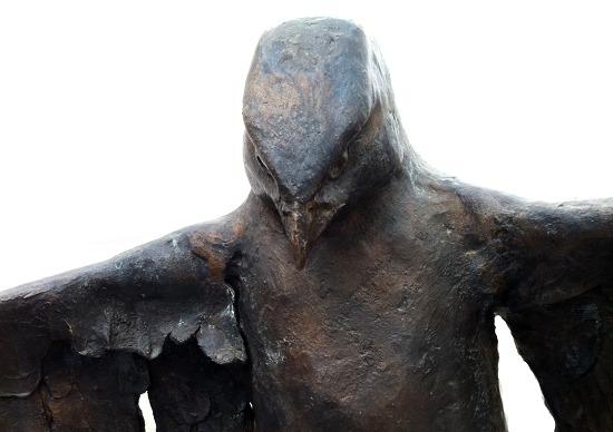 Bussard - eine Bronze von Harro Frey