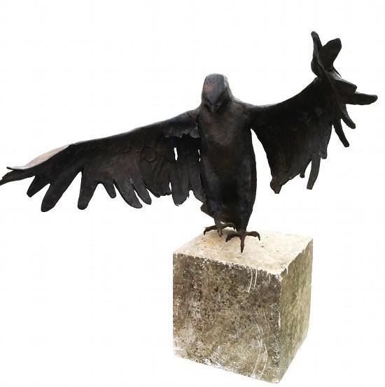 Bussard - Bronzeskulptur von Harro Frey