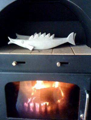 Kaminofen mit Keramik Fisch