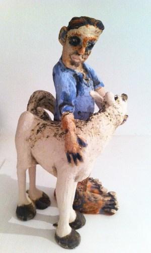 Der Pferdeliebhaber - Keramikfigur von Dr. Konrad Ruff