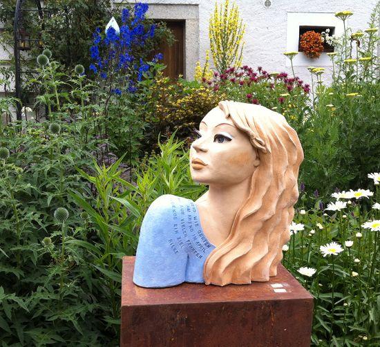 Gartenfigur Rilkes Gartenmädchen - Deko für Garten