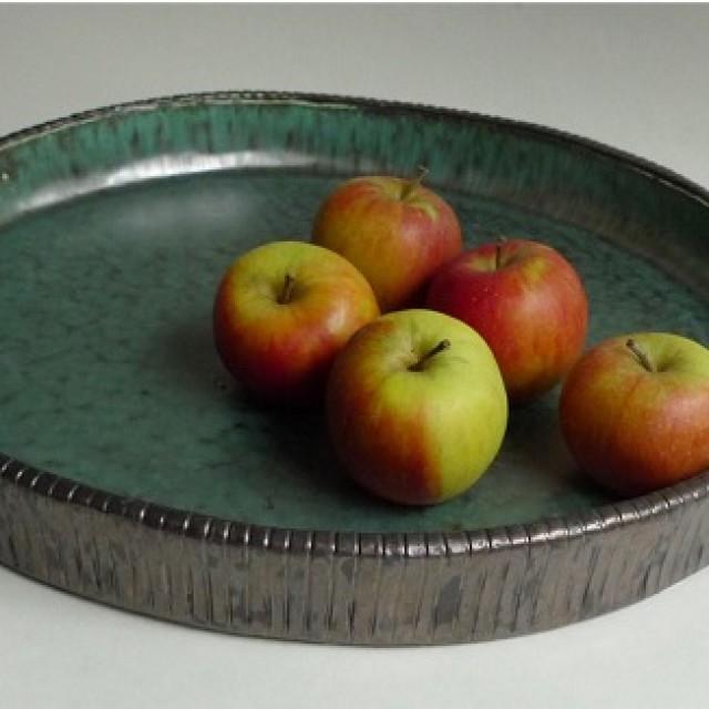 Obstschale Keramik Dekoration mit Äpfel