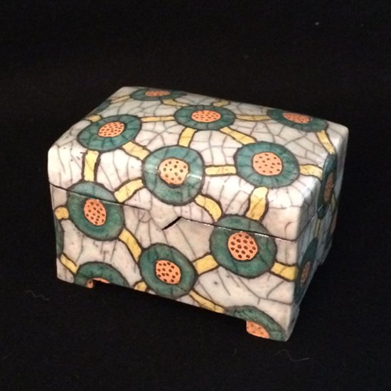 Keramik Dose mit verbundenen Kreisen