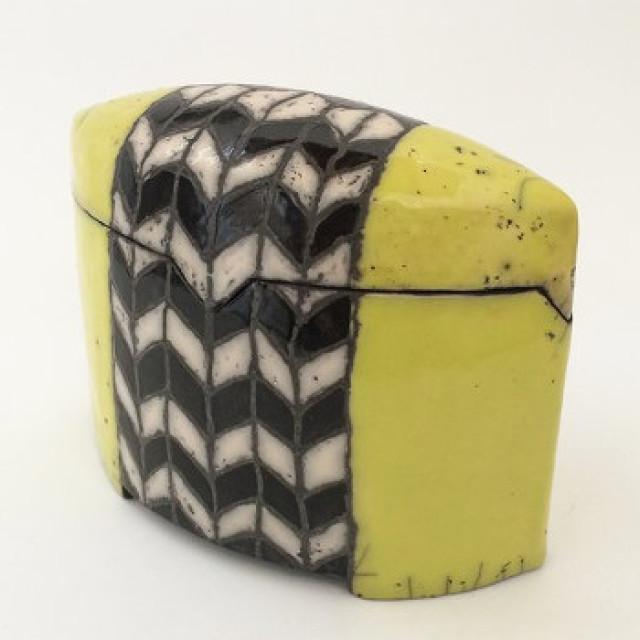 Keramik Kunst in Dosen