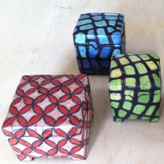 Raku Keramik Dosen mit Duncan Glasuren