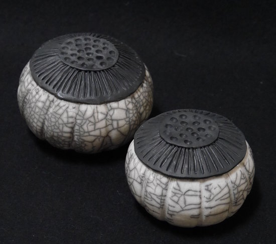 kunst-objekt-raku-keramik-ohne-zweck