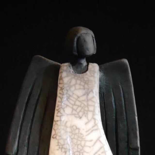 Engel mit großen Flügeln