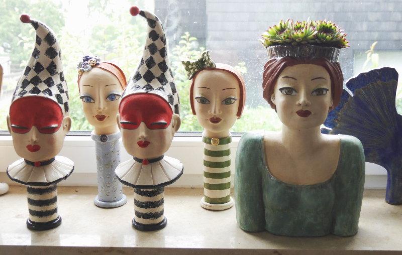 Gartenkeramik Figuren am Fenster - nach dem Keramikbrand