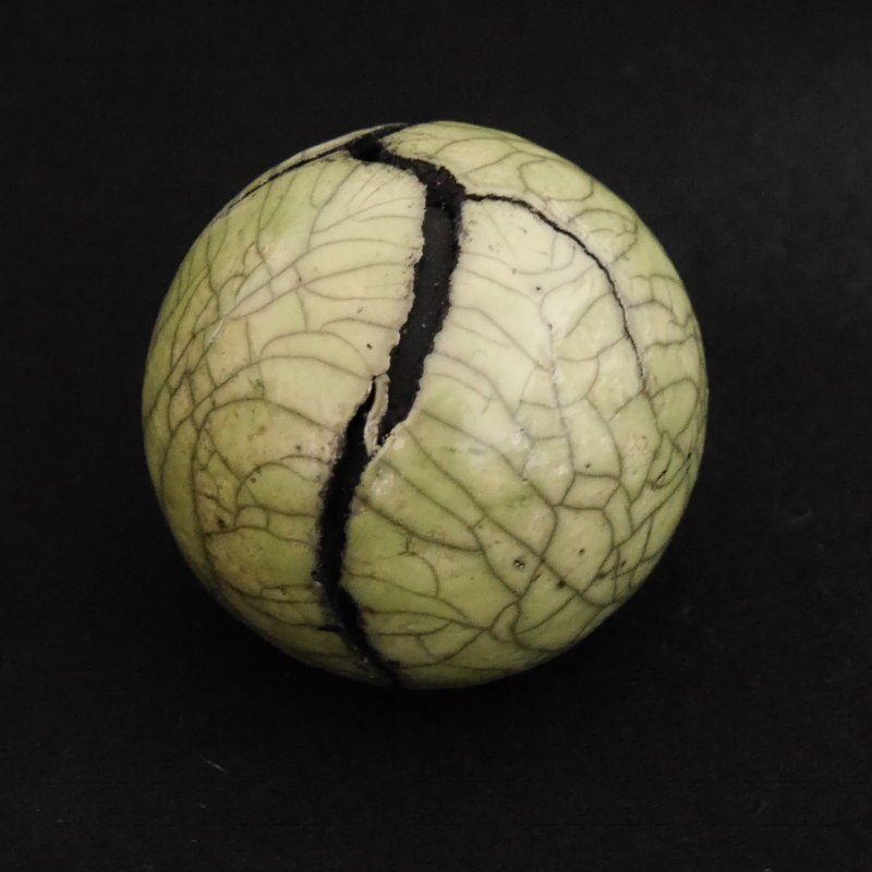 Raku Keramik Kunst Objekt grüne Kugel