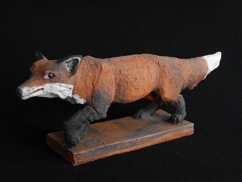 Schleichender Fuchs - Tierfigur aus Keramik