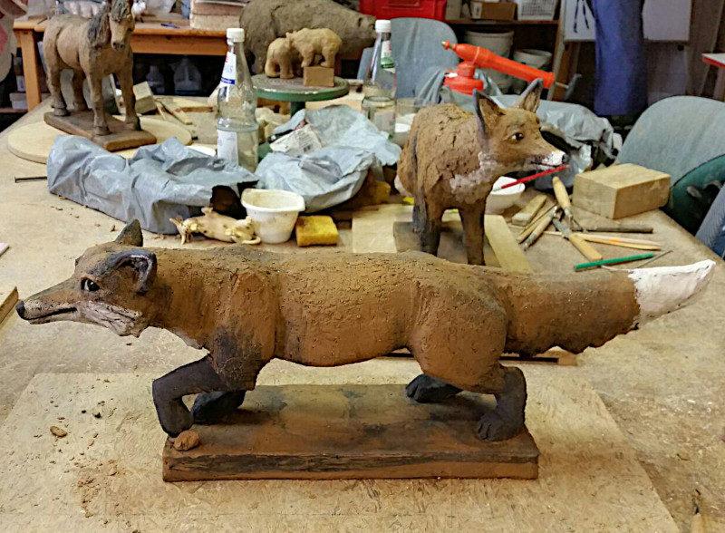 Tierfigur Fuchs aus Keramik: vor dem Brand