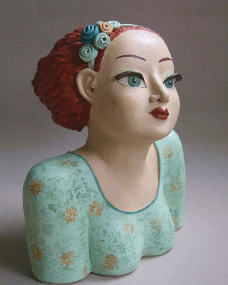 Keramik Büste Burgfräulein: jung, hübsch, erwartungsvoll.