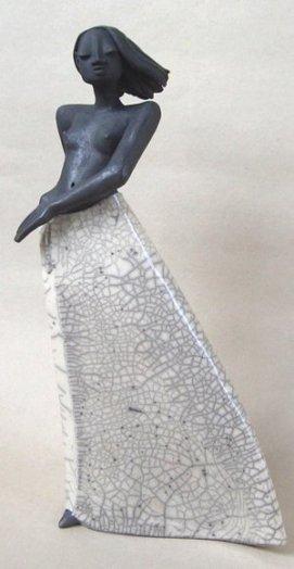 Raku figuren margit hohenberger keramik kunst for Gartenfiguren aus keramik